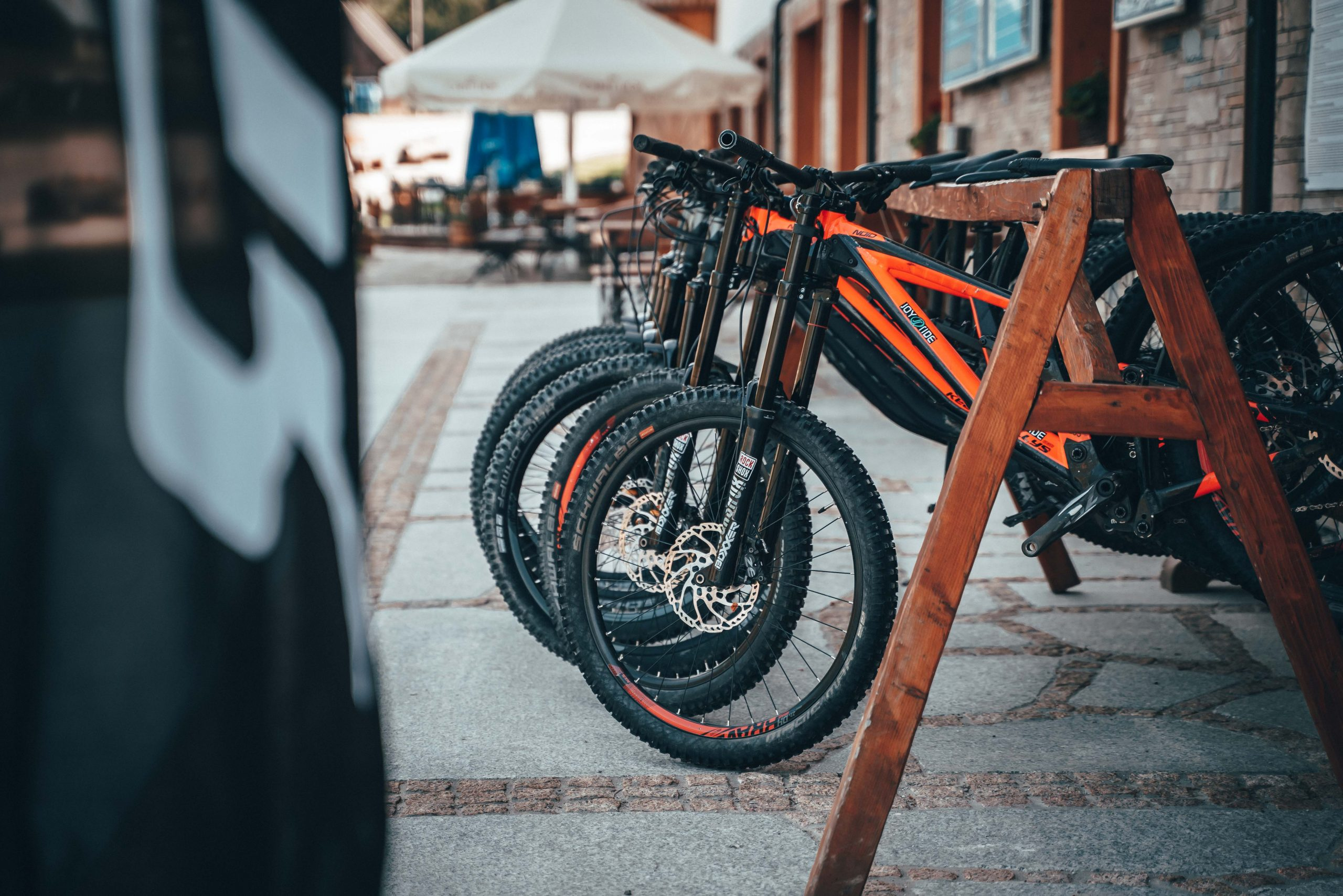 Przedsezonowa wyprzedaż sprzętu – Rowery zjazdowe, enduro, szosówki