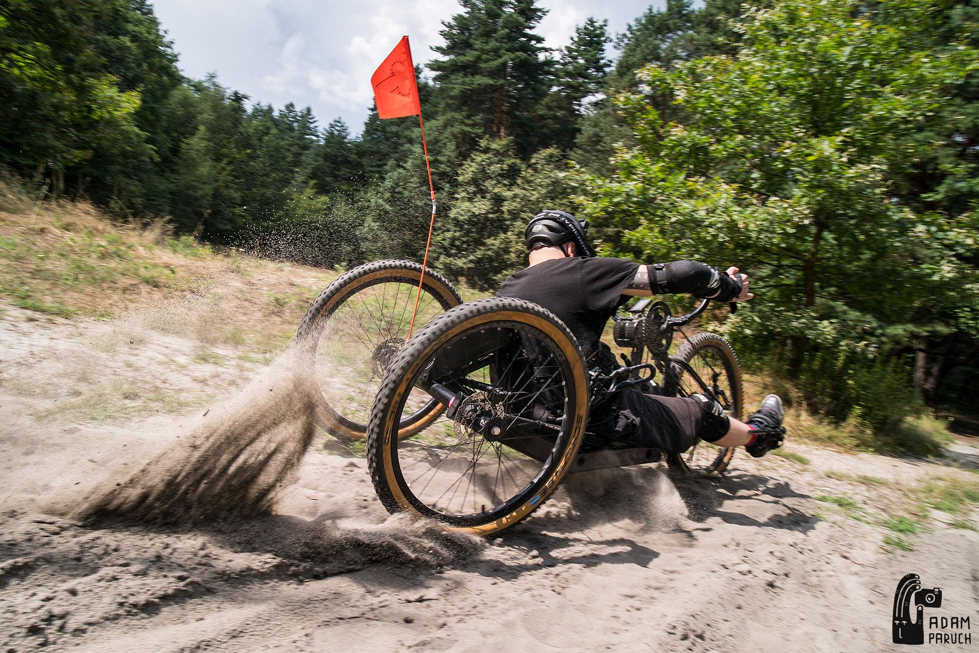 Make Niki Ride Again – Zbieramy na nowy rower dla Nikifora!