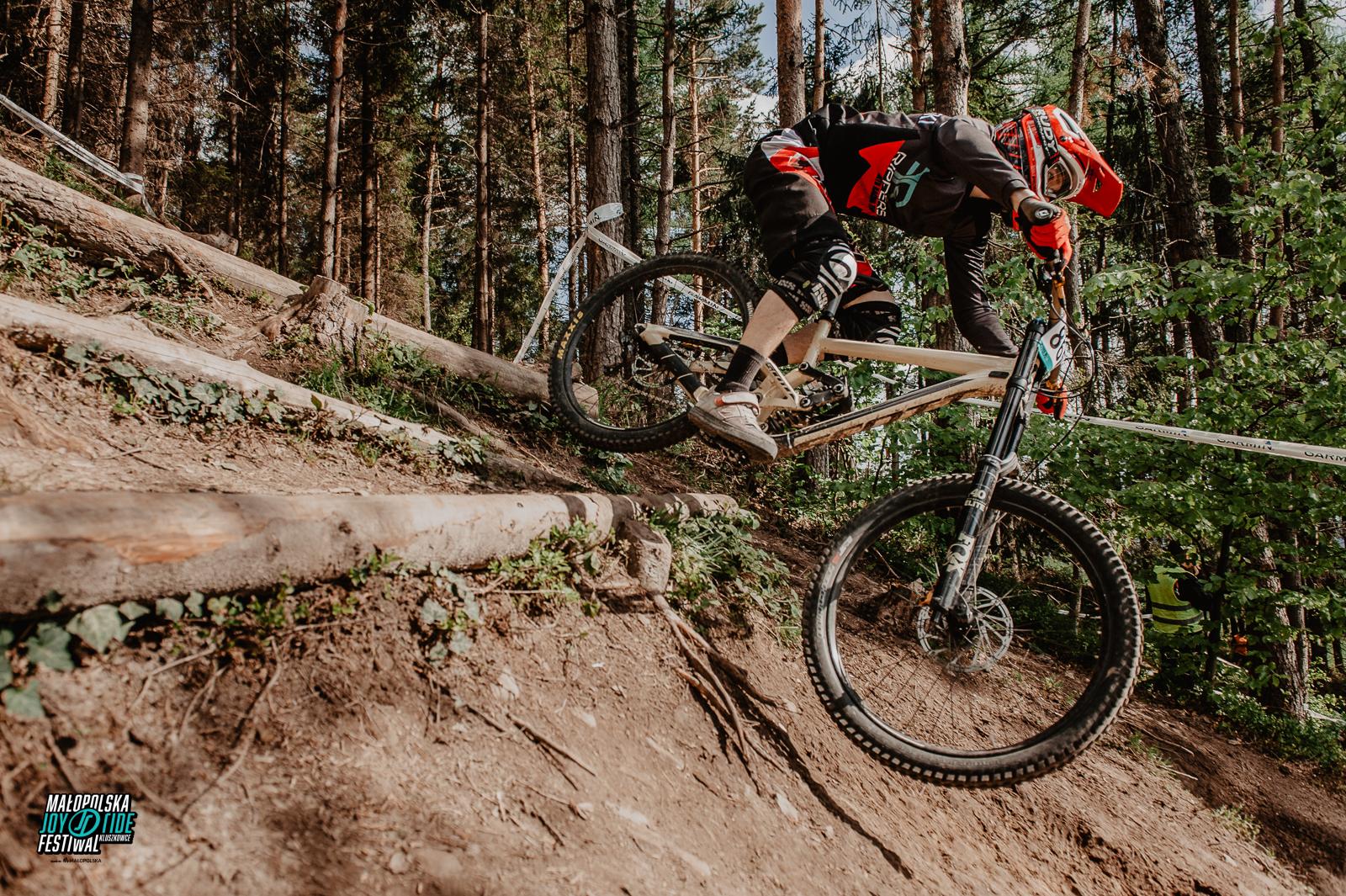OC1 Downhill – Festiwalowy klasyk z nowym sponsorem